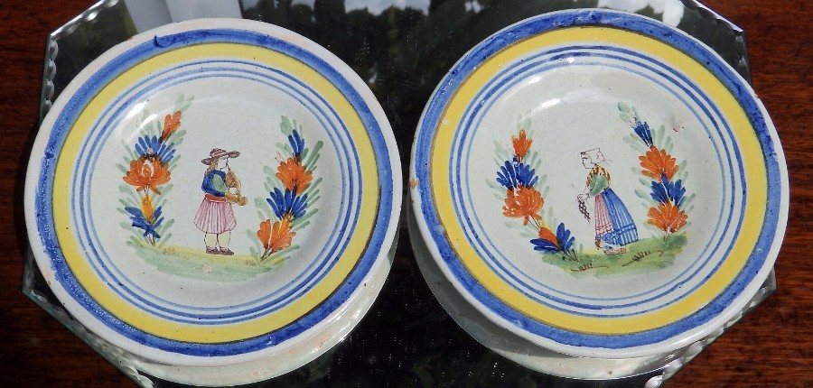 Antique Henriot Quimper / Malicorne Faience Pottery : Pair of small Plates C.early 20thC