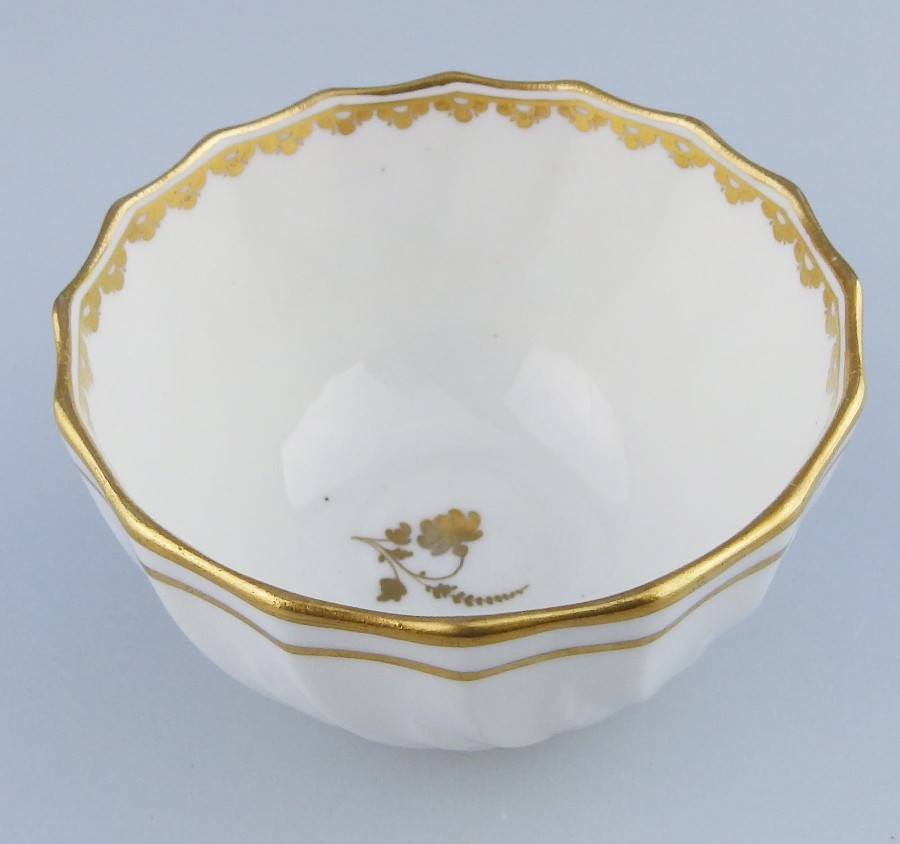 Antique English Porcelain : A good Derby Tea Bowl : late 18th/early 19thC