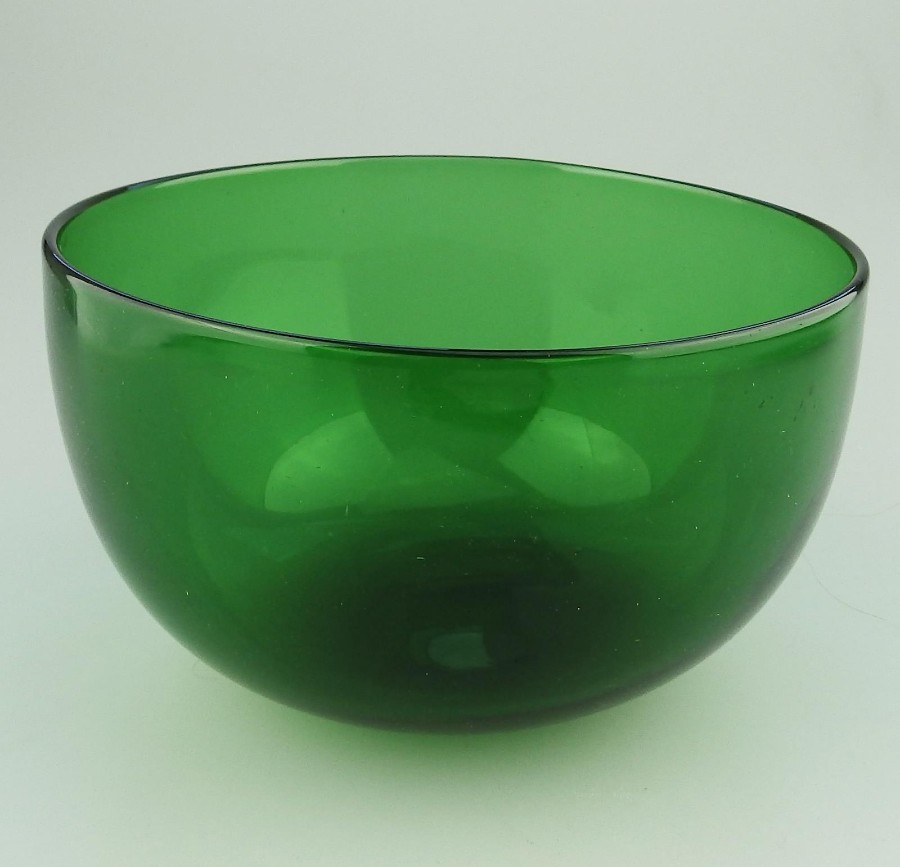 Antique Antique English coloured Glass a Victorian Bristol Green Bowl C.19thC
