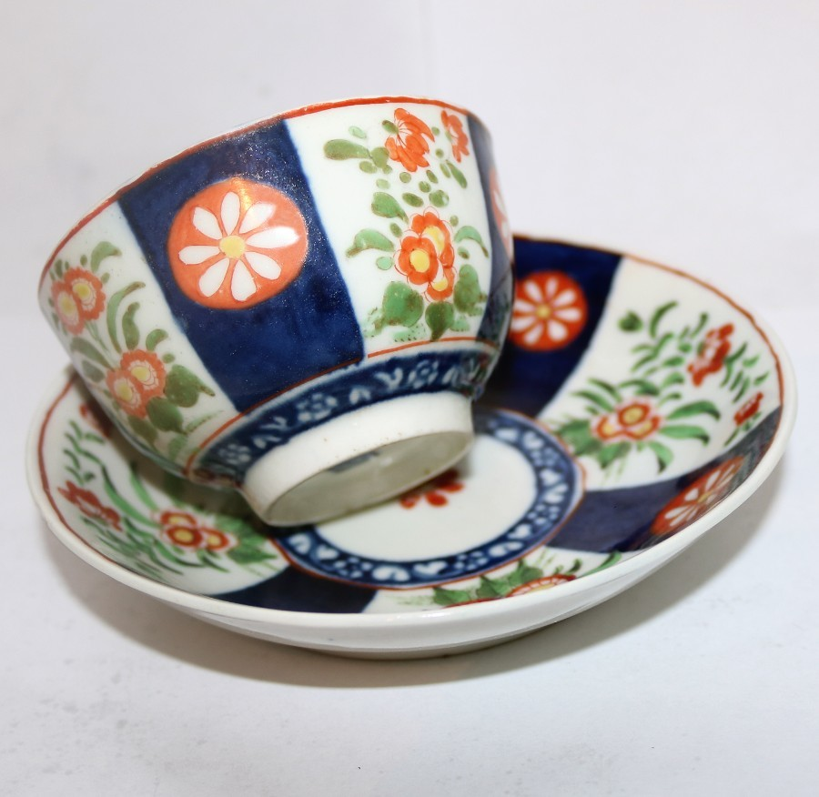 Antique English Porcelain : A good 1st Period Worcester Queen's Tea Bowl & Saucer : C.1770