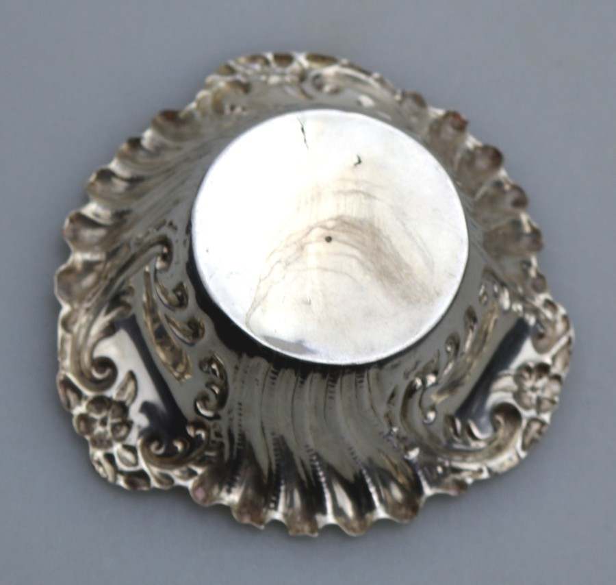 Antique Antique Solid Silver Small Bon Bon / Pin Dish William Hutton C.1900
