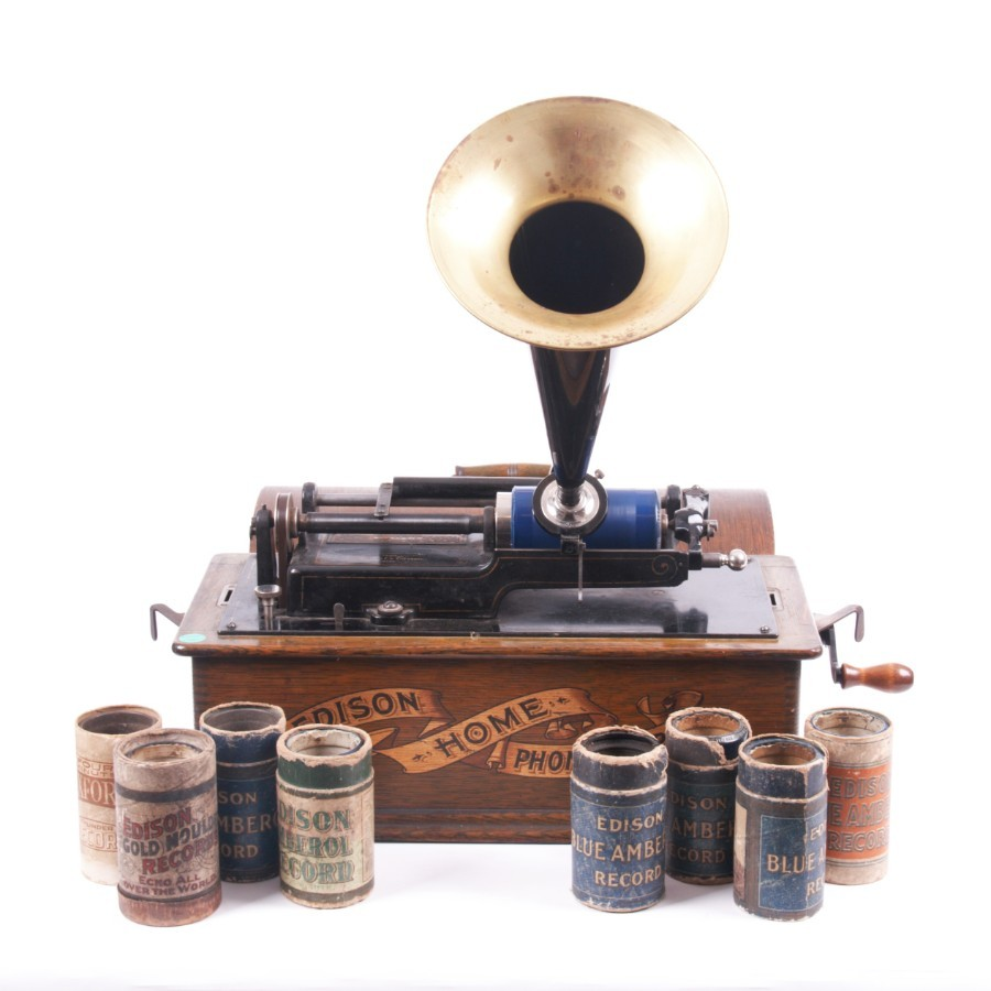 THOMAS A. Edison Home Phonograph with 9 original cylinder records.19th century