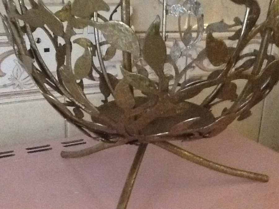 Vintage Art Metal Holder ( Crafted leaves ) ( Gold plated as original )