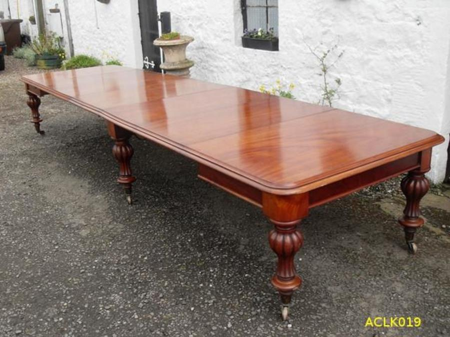 Large Victorian Mahogany Dining Table