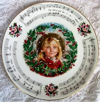 "Antique Royal Doulton English Porcelain ""Christmas Carols"" Plate 1987"