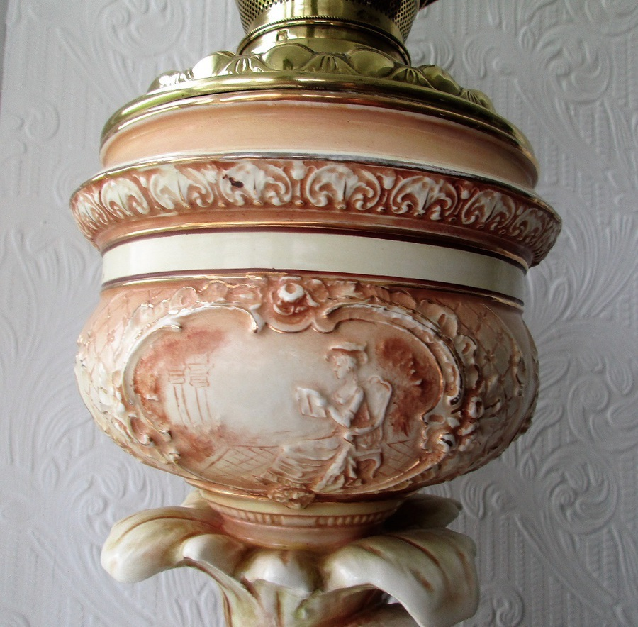 Antique Antique Victorian Anglo-American Porcelain Figural Oil Lamp