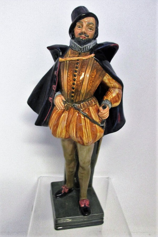 "Vintage Royal Doulton English Porcelain Figurine ~ ""Sir Walter Raleigh"" ~ HN 2015"