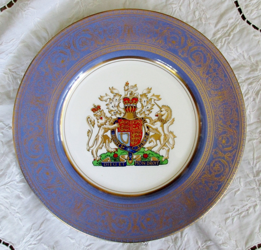 "Royal Doulton English Porcelain Cabinet Plate ~ ""Royal Arms"" ~ Reginald Johnson"