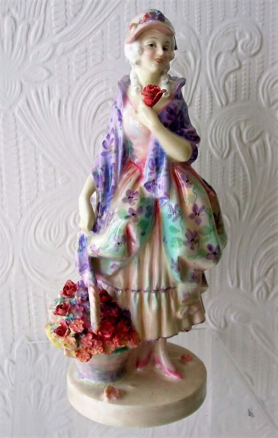 "Vintage Royal Doulton English Porcelain Figurine ~ ""Phyllis"" ~ HN 1420"