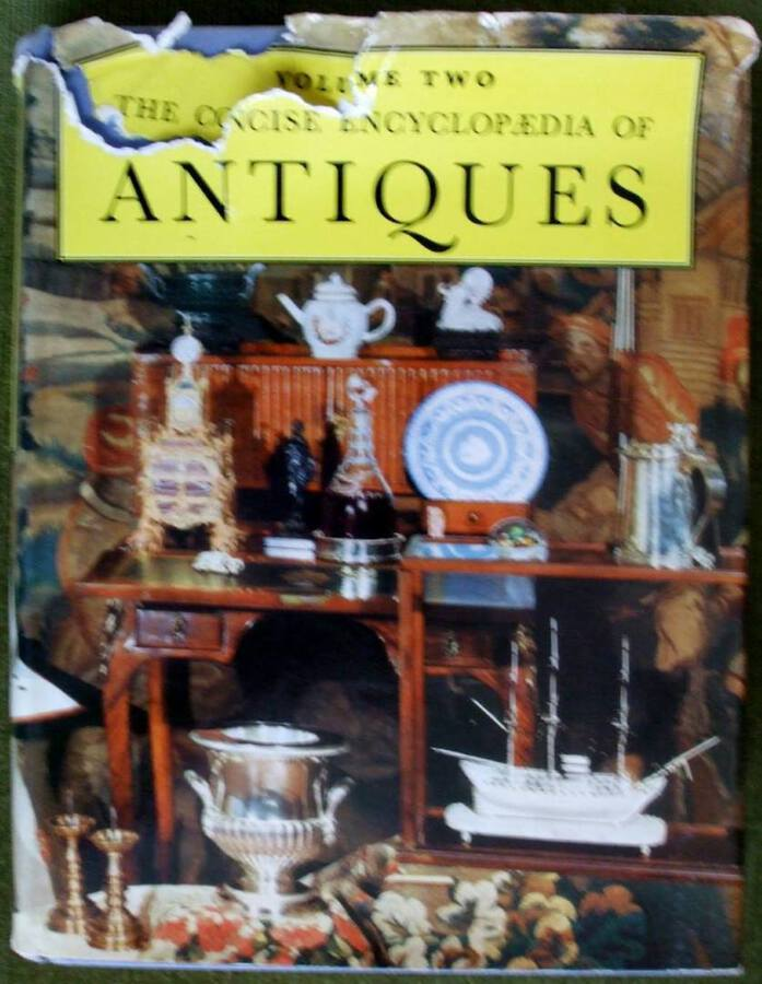 The Connoisseur Concise Encyclopaedia of Antiques ~ Vol. II ~ Ed. L.G.G. Ramsey F.S.A.