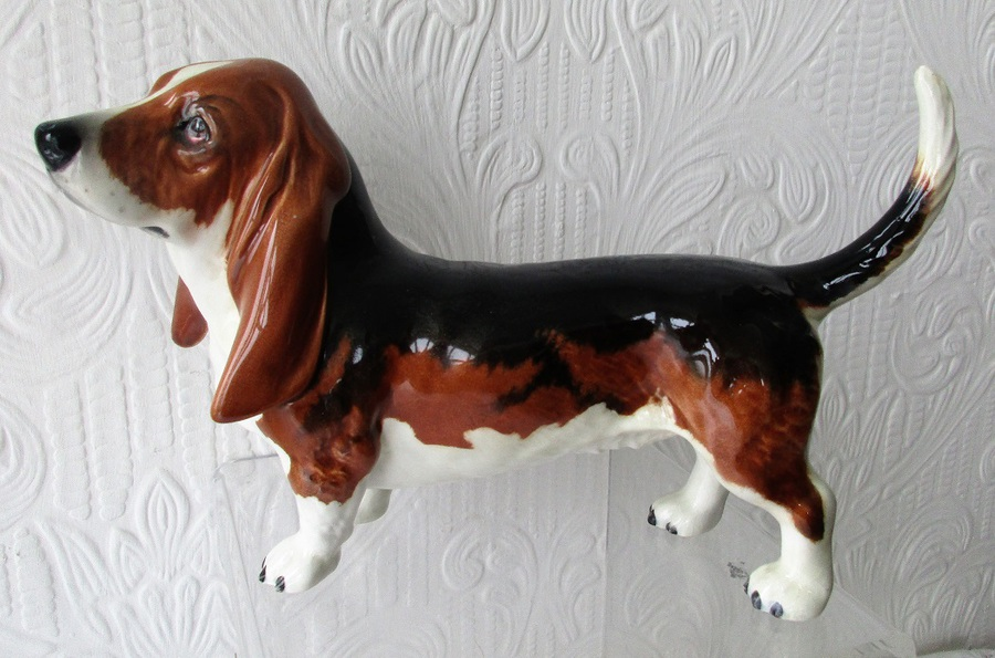 Vintage Beswick English Pottery Basset Hound