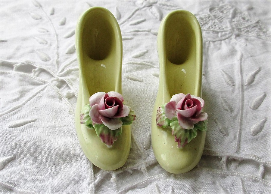 Pair of Vintage English Pottery Miniature Ladies Shoes