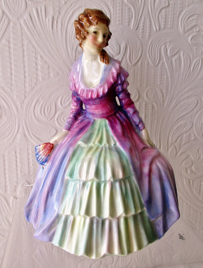 "Vintage Royal Doulton English Porcelain Figurine ~ ""Charmian"" ~ HN 1569"