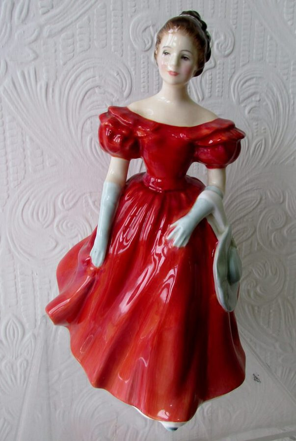 "Royal Doulton English Porcelain Figurine ~ ""Winsome"" ~ HN 2220"