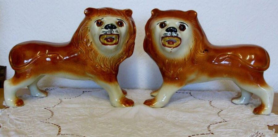 Pair of Antique English Victorian Staffordshire Pottery Lions ~ H 4655 / H 4656