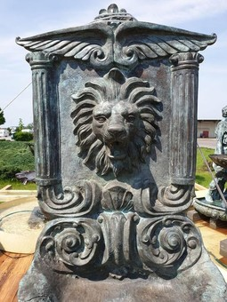 Antique A STUNNING PALACE WALL FOUNTAIN WITH A LION– 19th
