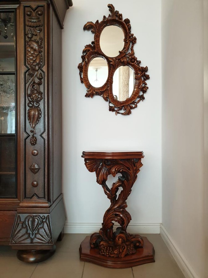 EXTRAORDINARY CONSOLE WITH A TRIPARTITE MIRROR - NEO-ROCOCO