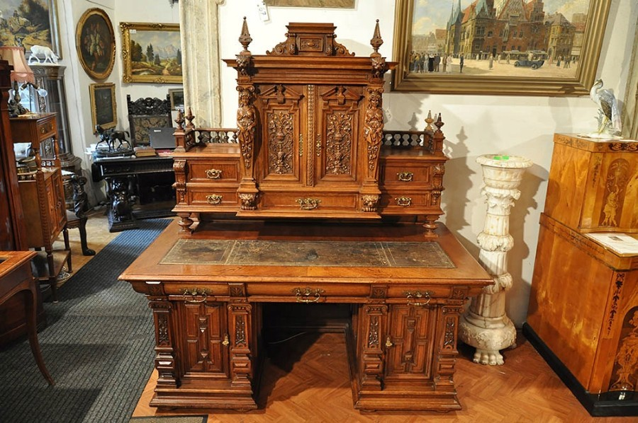 Antique Solid Oak Figural Desk with an Extension / Bureau in an Eclectic Style 1880