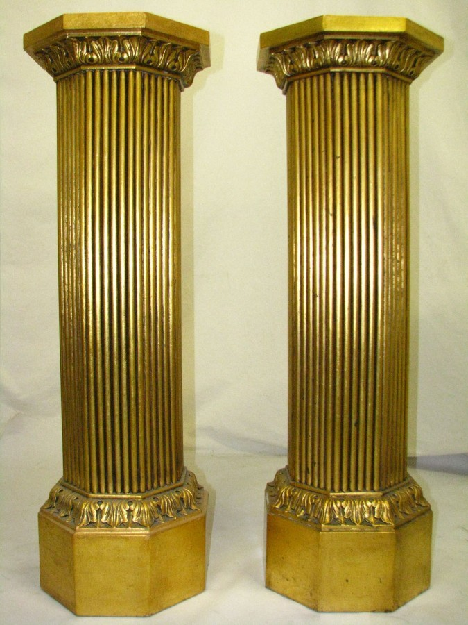 20th Century Italian Pair Of Gilded Wood Columns / Pedestals / Stands