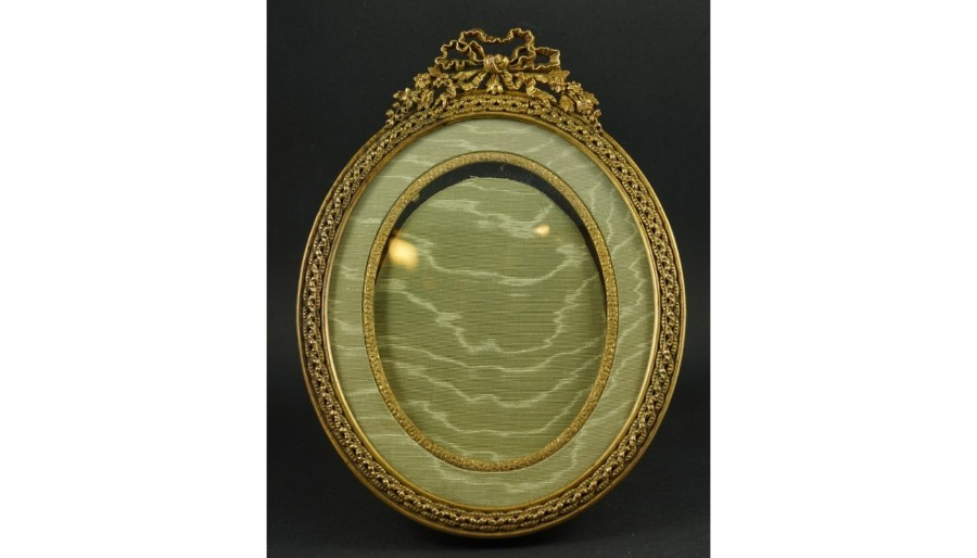 Antique Vintage French  Bronze Oval  Picture Frame 19th