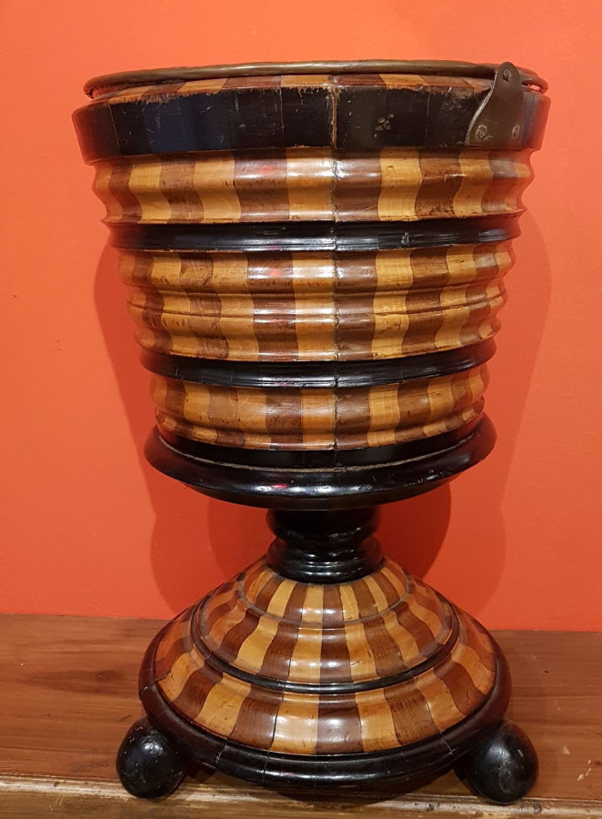 Bucket for bottles in wood marquetry