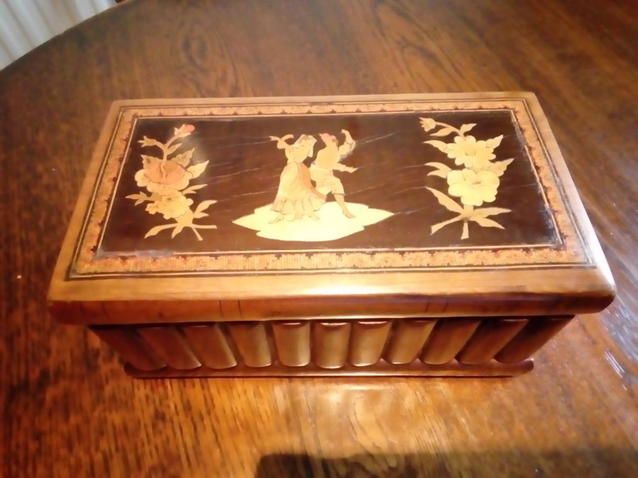 SORRENTO  WARE  'STACK OF BOOKS'  19th CENTURY PUZZLE BOX WITH KEY (MW)