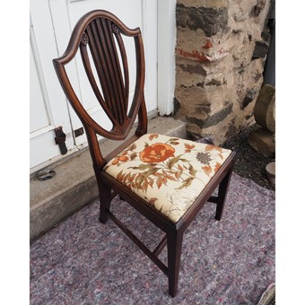 Antique 18th CENTURY HEPPLEWHITE CAMELBACK CHAIR