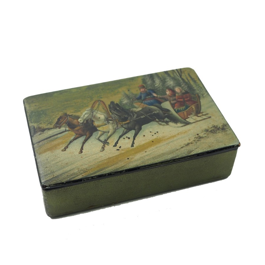 GOOD 19th CENTURY RUSSIAN PAPIER MACHE BOX