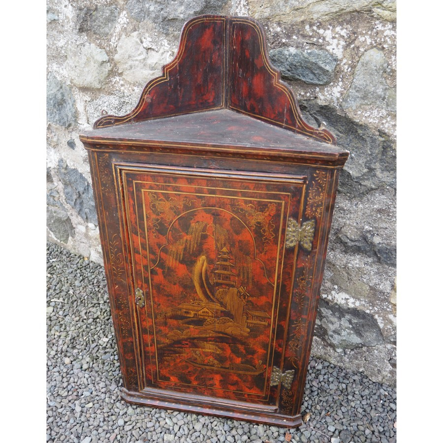 QUEEN ANNE LACQUERED CORNER CABINET