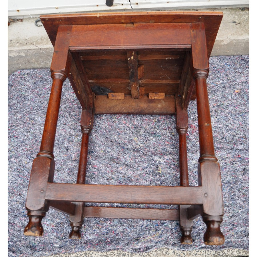 Antique EARLY 18th CENTURY OAK OCCASIONAL TABLE