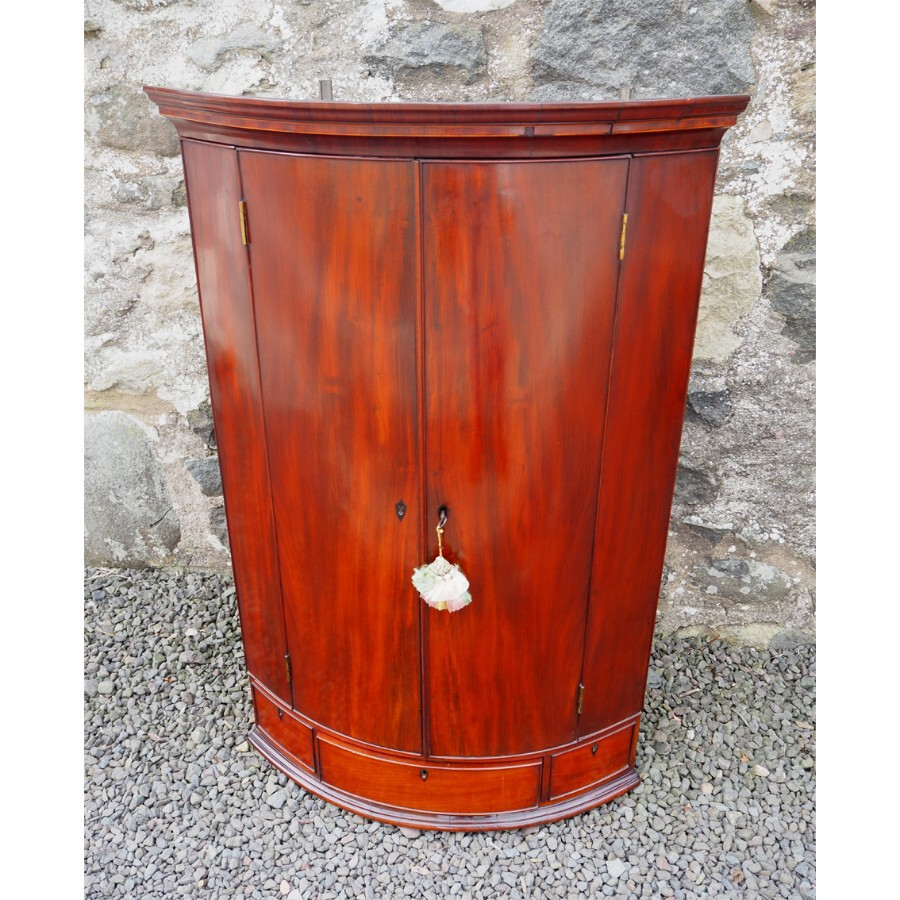 GEORGIAN BOW FRONT HANGING CORNER CABINET