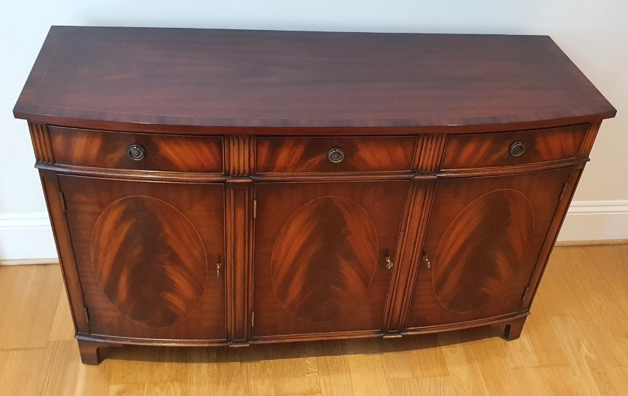 Mahogany Regency sideboard in excellent condition