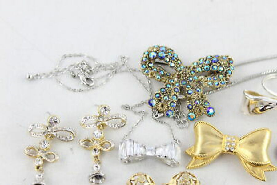 Antique 20 x Vintage & Retro BOW JEWELLERY inc. Brooches, Rhinestone, Necklace, Earrings