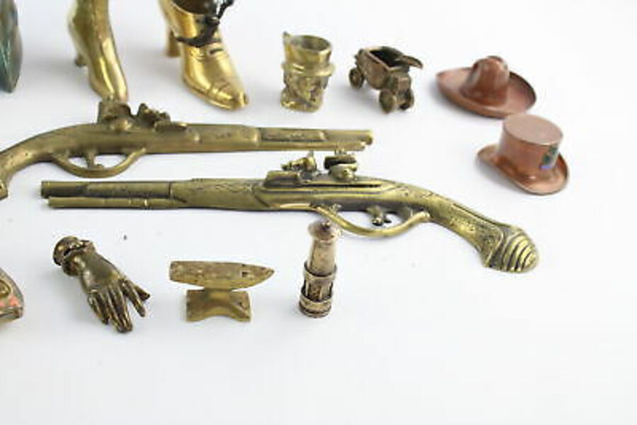 Antique 15 x Vintage Decorative BRASS Models Inc. Gladiator Helmet, Boot Etc (6920g)