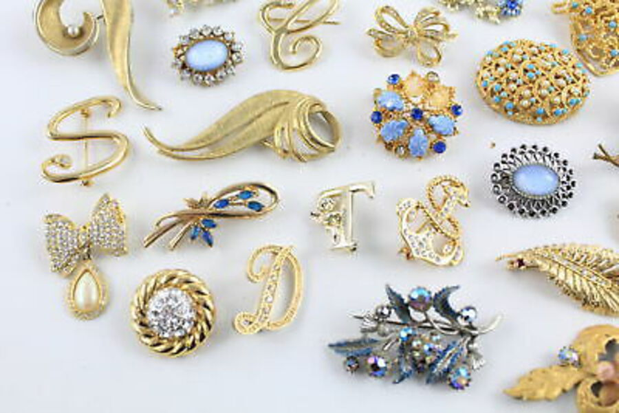 Antique 25 x Vintage BROOCHES inc. Sphinx, Lucca Razza, Movitex, Statement, Scarf Clip