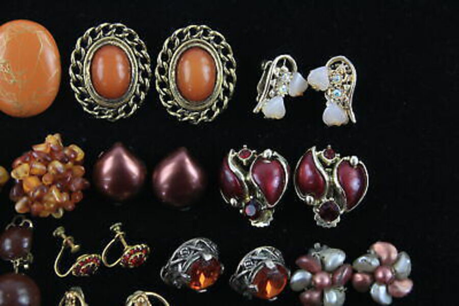 Antique 20 x Vintage & Retro CLIP ON EARRINGS inc. Faux Amber, Faux Pearl, Cameo