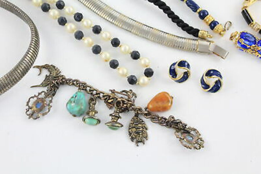 Antique 20 x Vintage & Retro 1980s JEWELLERY inc. Enamel, Faux Pearl, Rhinestone