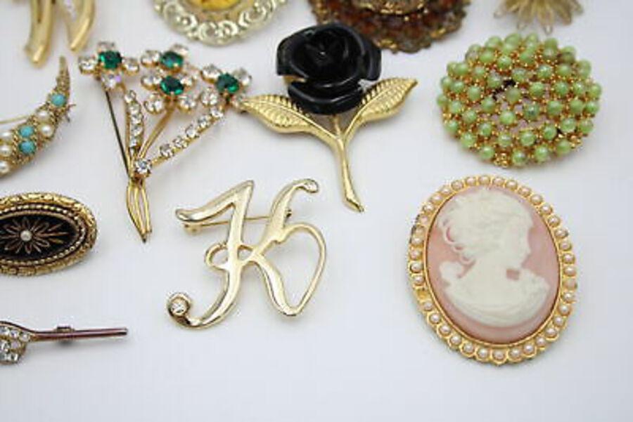 Antique 25 x Vintage & Retro BROOCHES inc. Bar Brooch, Faux Pearl, Statement, Movitex