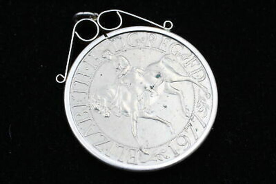 Antique 4 x .925 Sterling Silver Coin Pendants inc. Enamel, Elizabeth II, Jubilee (134g)