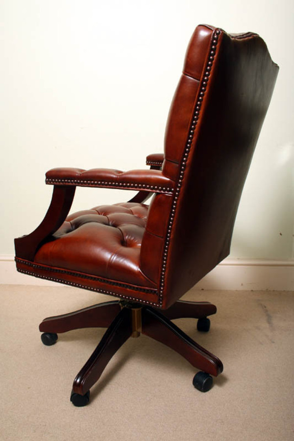 Antique Bespoke English Hand Made Gainsborough Leather Desk Chair Chestnut