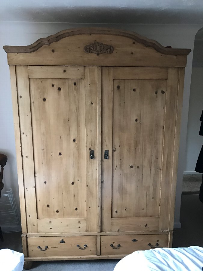 Large Elegant Antique Pine Wardrobe - Late 19th Century